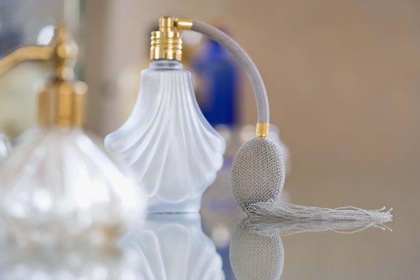 Deshazte de un fuerte olor a perfume en tu piel.