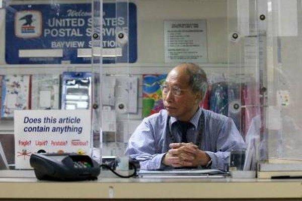 Los trabajadores inactivos del Servicio Postal pueden recibir la compensación por desempleo de las oficinas de desempleo locales.