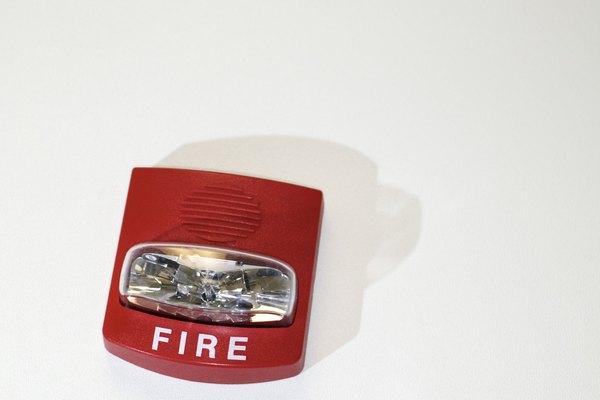 Entérate de por qué las alarmas de incendio emiten un pitido.