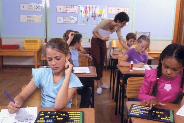 Los estudiantes generalmente aprenden mejor cuando pueden visualizar los conceptos matemáticos.