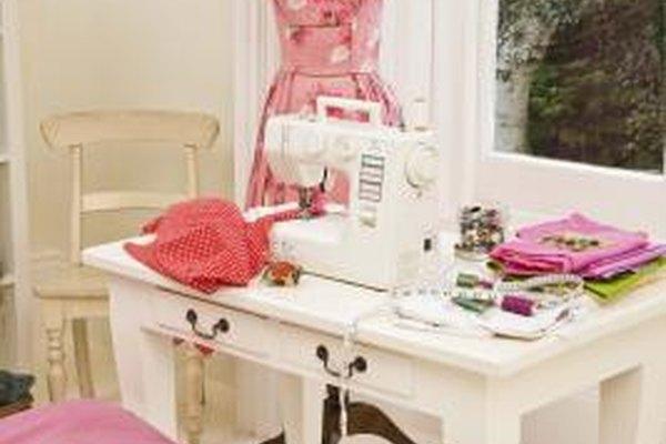 Si el inventario es pequeño, podrías vender tus artículos de moda desde tu casa.