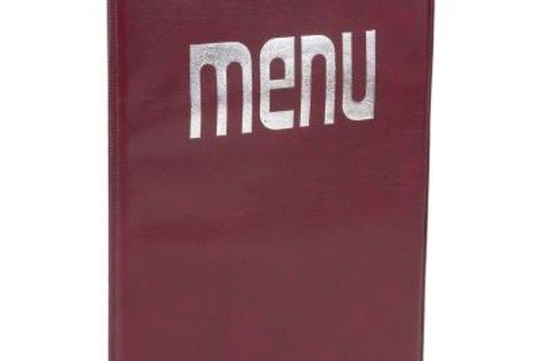 Coloca tu menú de papel dentro de una cubierta impermeable para protegerla de posibles derrames.