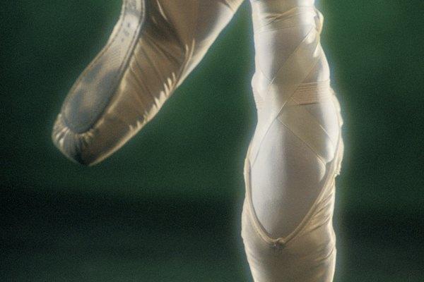 Debes tener muy buena fuerza de piernas y pies para poder bailar en zapatillas de puntas.