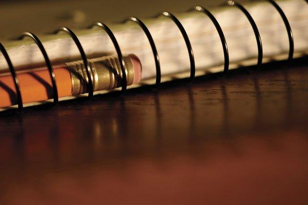 La goma tiene muchos usos comunes y mundanos; el más notable, el usado para borrar lo escrito con lápiz.