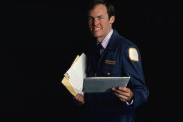 Los trabajadores postales obtienen salud federal, retiro y beneficios de seguro.