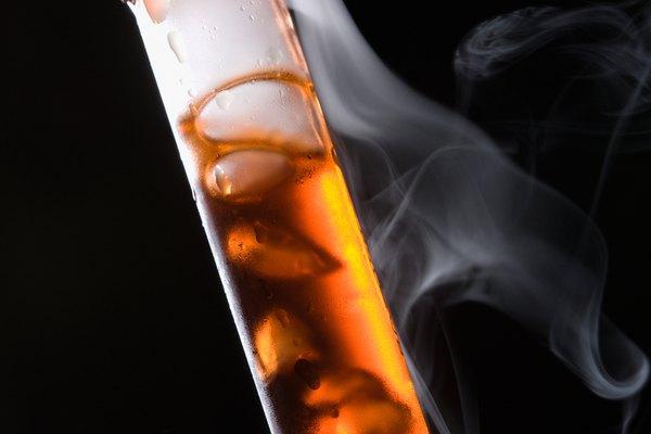 Una reacción química llevándose a cabo.
