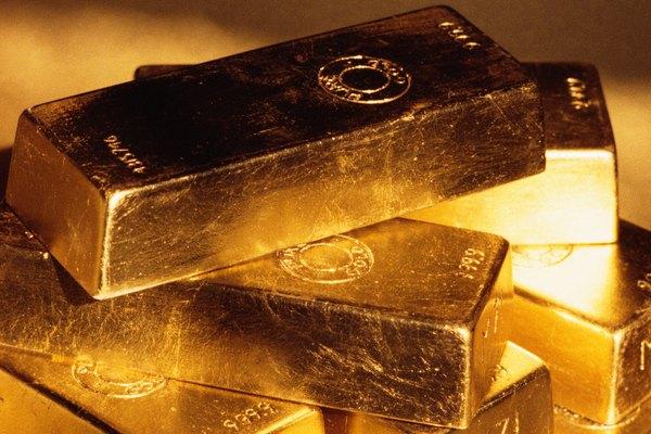El oro rara vez se encuentra en su forma pura y se debe refinar.