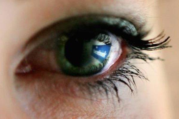 Controla quién te ve en Facebook en los ajustes de seguridad.