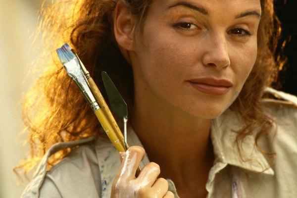 Una técnica de pincelado en seco puede ayudarte a difuminar el fondo de tu cuadro.