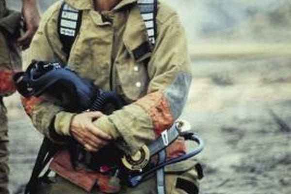 Los bomberos necesitan ser fuertes, disciplinados y pacientes.