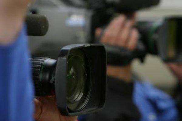 Los operadores de cámaras de televisión pueden ser llamados para grabar las noticias.