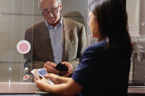 Entérate de qué es un código de autorización en una transacción bancaria.