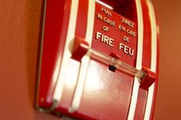 Los simulacros de incendio habilitan a los empleados a salir del edificio de manera calma y segura en caso de emergencia.