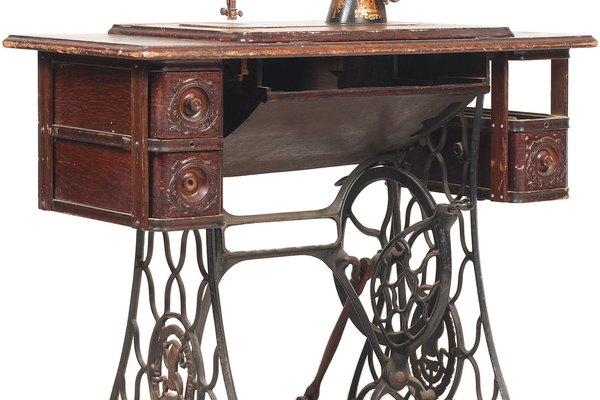 La máquina de coser revolucionó la producción de prendas de vestir, cambiando el papel de las mujeres estadounidenses.