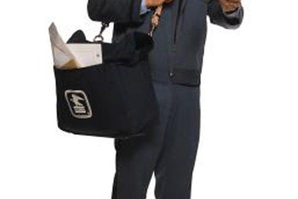 Los empleados de servidor civil como aquellos en el servicio postal son considerados empleados en el sector público.