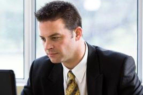 Un contable de carga completa típicamente es el único responsable por las funciones contables en una pequeña empresa.