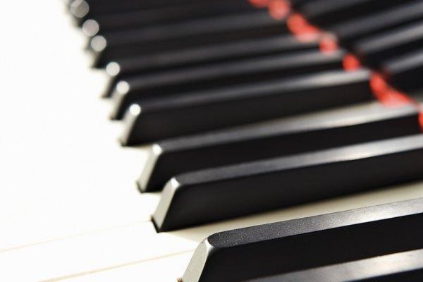 Cómo tocar rap en un piano.