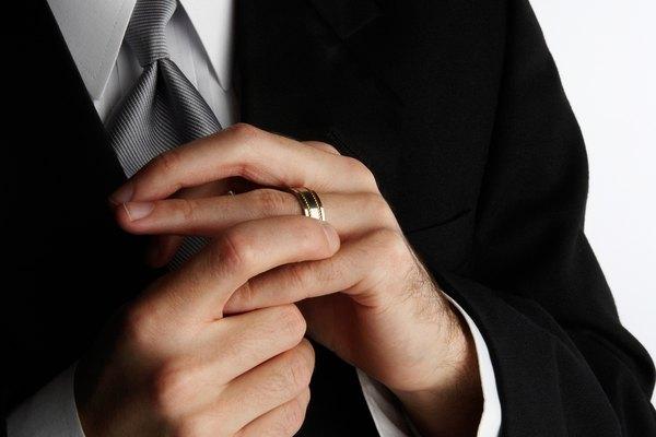 Algunas parejas han tenido problemas de seguridad con los anillos de de carburo de tungsteno que no se han observado en las opciones tradicionales.