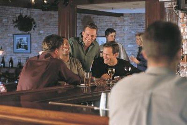 Planea proporcionar dos tipos de soporte de marketing: a vendedores y a bares.