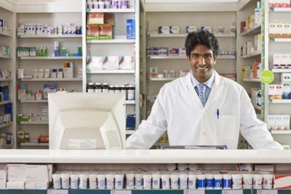 Ser un farmacéutico requiere un grado y licenciatura de cuatro años.