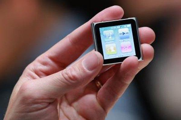Si tienes un iPod nano, utiliza el cable USB para cargar tu iPod touch.