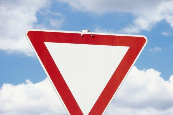 Las formas triangulares están en nuestro mundo diario en abundancia.