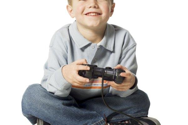 Durante diez años la consola de juego PS2 divierte a niños y adultos.