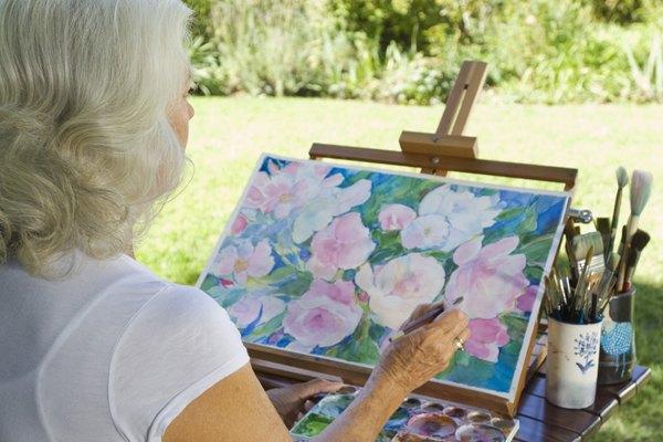 La combinación de acuarela, bolígrafo y tinta le da un toque distintivo a la pintura.