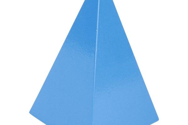 La pirámide de cuatro lados en realidad tiene dos definiciones, dependiendo de si cuentas la base como un