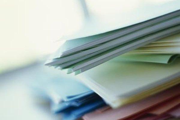 Una empresa utiliza los documentos e informes para compartir información.