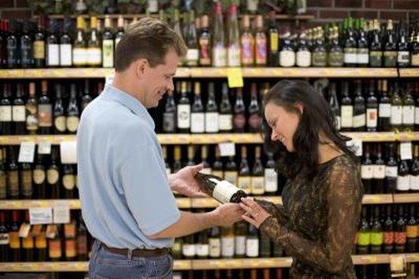 Un servicio amistoso en una tienda de bebidas alcohólicas te ayudará a construir una clientela recurrente.