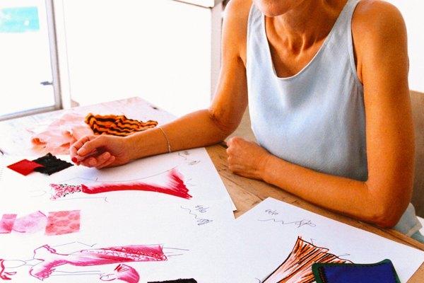 Añade textura a tu pintura colocando el pastel al óleo por capas.