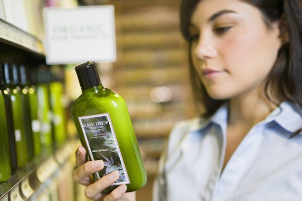Los artículos como las botellas plásticas de champú se hacen con polietileno.
