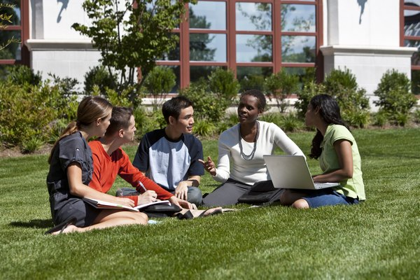 Miami Dade College se compone de ocho escuelas en el Condado de Miami-Dade, Florida, y ofrece más de 300 programas de estudio.