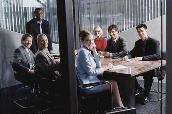 Las pequeñas empresas pueden disfrutar de las ventajas de una organización basada en la jerarquía.