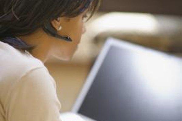 El uso de un auricular USB con tu equipo de trabajo proporciona privacidad para conversaciones de trabajo.