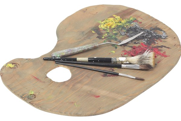 La pintura seca se incrustará en tu paleta si no la limpias regularmente.