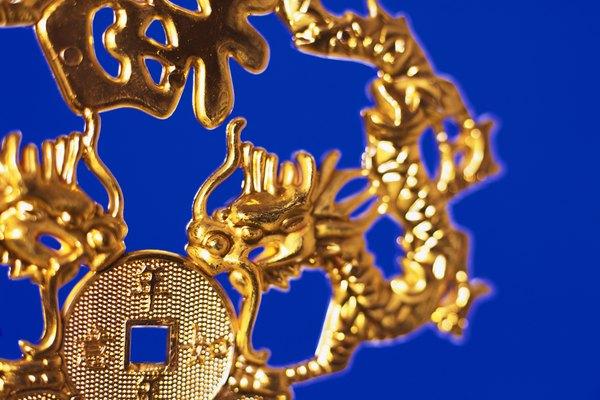 Un lote de joyas puede parecer de oro verdadero pero en realidad puede tratarse de oro falso.