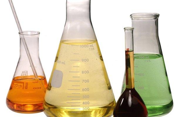 El citrato de amonio férrico está compuesto por tres compuestos separados.