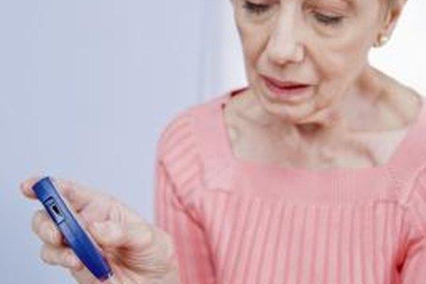 Los endocrinólogos ordenan una variedad de pruebas de sangre para detectar enfermedades como la diabetes.