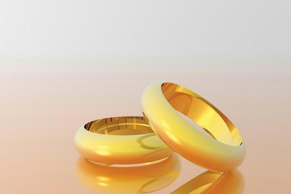 Si eres un coleccionista de alhajas antiguas, probablemente hayas comprado anillos o brazaletes con grabados.