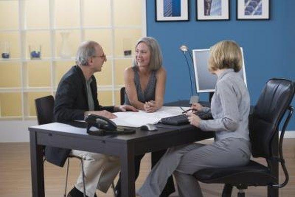 Los contadores tienen una amplia gama de opciones de empleo, incluyendo carreras gubernamentales, corporativas e independientes.