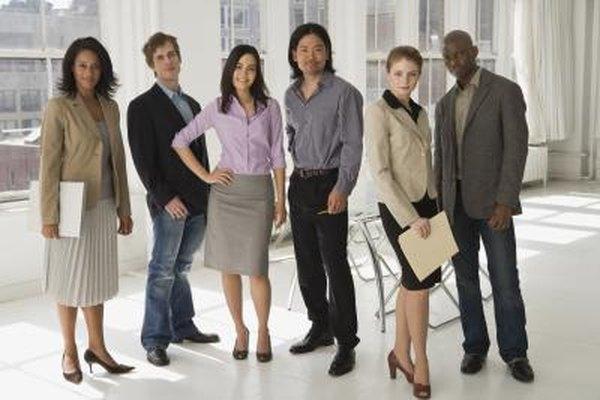 Muchas organizaciones, incluyendo los pequeños negocios, deben mantener cierto número de empleados en cada horario laboral.