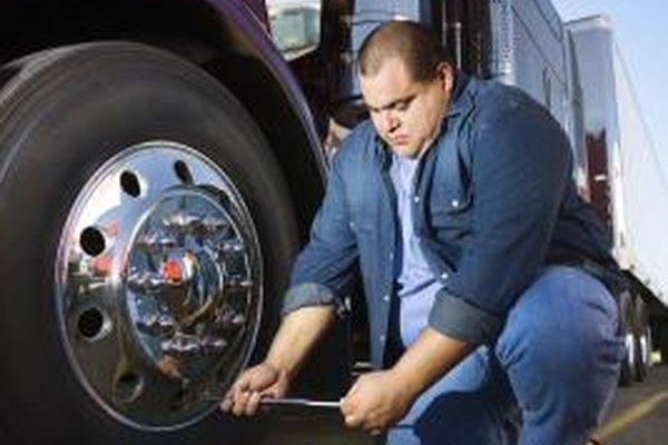Los camioneros pueden reclamar deducciones fiscales para el mantenimiento de vehículos y otros gastos relacionados con el trabajo.