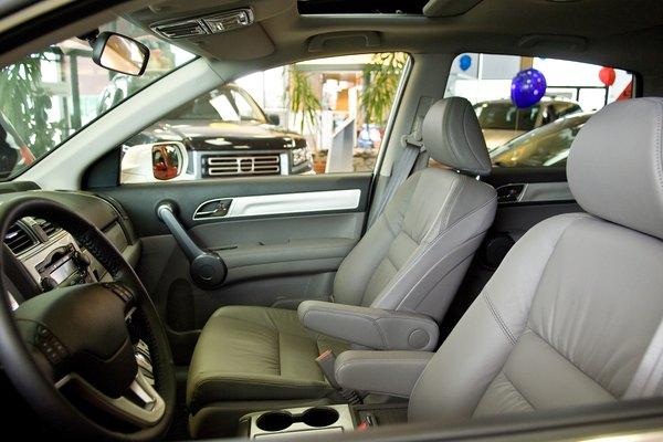 Hallar la ubicación correcta para esconder los dispositivos de GPS para los autos puede ser un desafío.