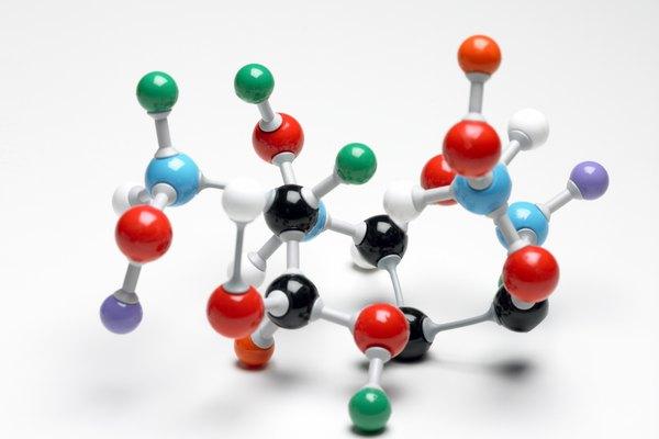 Los átomos se unen entre sí para formar moléculas.