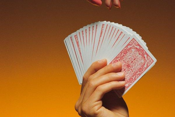 Se necesitan varios intentos para realizar trucos de cartas con éxito.