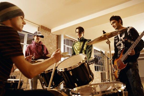 Cada habitación es como un instrumento no deseado, tocando junto a los músicos.