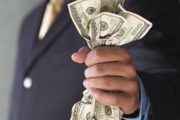 Un agente hipotecario recibe comisiones.