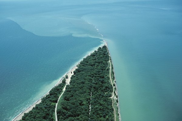 Point pelee and Lake Erie , Quebec , Canada